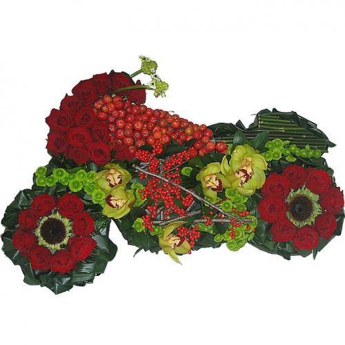 Мотоцикл из цветов_1