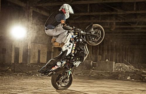 Брейк данс на мотоцикле_1