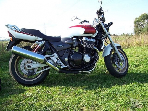 HONDA ST1300 SUPER FOUR №9